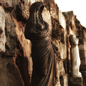 history of sculpture by Berkan Felek - Artistic Objects Antiques