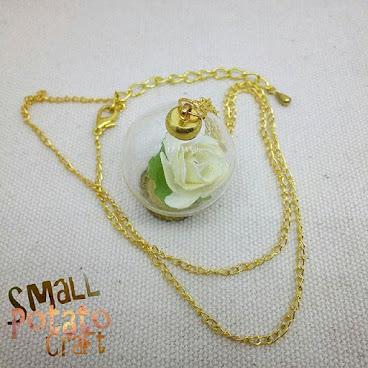白玫瑰玻璃球頸鏈