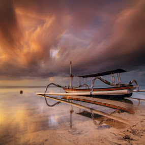 rising up by I Made  Sukarnawan - Landscapes Beaches ( sunset, beach, sunrise, boat, landscape )