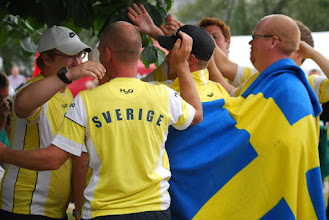 Photo: Team Sweden celebrating gold. Photo: Patric Fransson