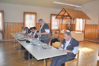 Photo: Table du Comité