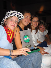 Photo: Las chicas de la Peña 6º Infierno, ganadoras del premio de disfraces 2005  (enviada por Inma y Pol)