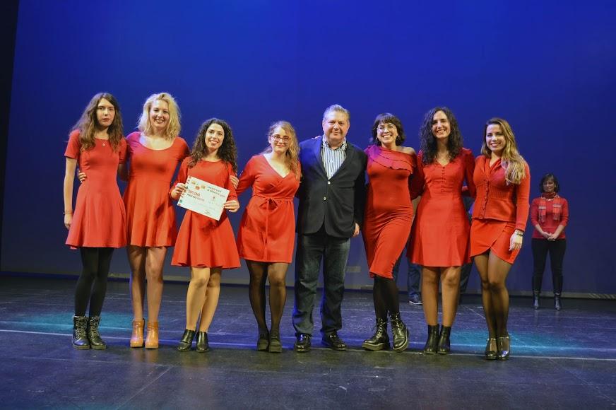 Tuna femenina universitaria, segundo premio en adultos.