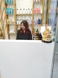 ezalia Unisex Salon photo 3