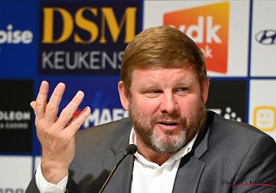 """Peter Vandenbempt vergelijkt AA Gent nu met een jaar geleden: """"Toen stond het huis in lichterlaaie"""""""