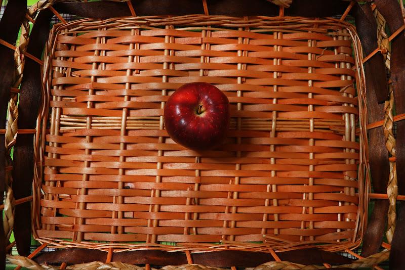 Cesta con mela di Cristina Di Falco