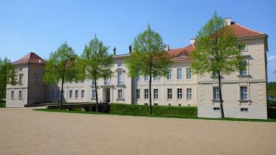 Photo: Besichtigung von Schloss Rheinsberg bei einem Ausflug vom Ferienhaus www.inselhaus-rheinsberg.de