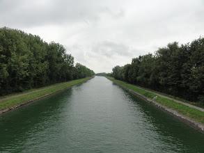 Photo: En nu even rechtdoor langs het kanaal.