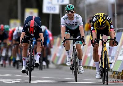 Na twee keer net niet nu weer bingo: Wout van Aert wint zijn tweede klassieker uit het voorjaar na sprint met drie!
