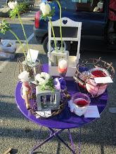 Photo: soliflores avec anémones et contenant avec  bocaux et roses stabilisées.