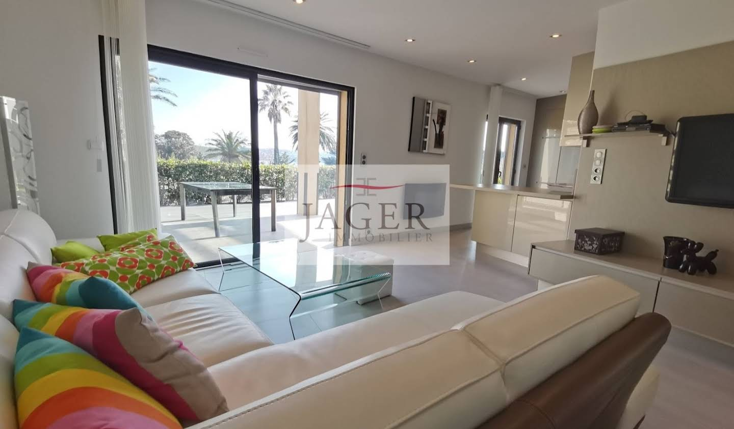 Apartment with terrace and pool Grimaud