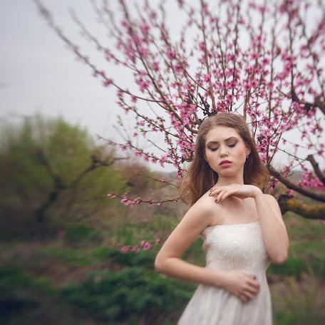 Wedding photographer Anastasiya Khaus (FiFi-House). Photo of 27.04.2016