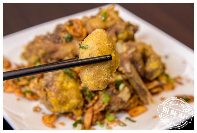 大麥町日式碳烤熱炒活海鮮蒜爆香酥鴨