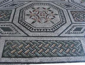 Photo: 023 Vatikaanin museossa lattiamosaiikkia.