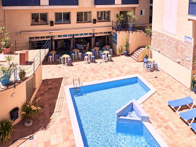 THE HOTEL - Swimming pool