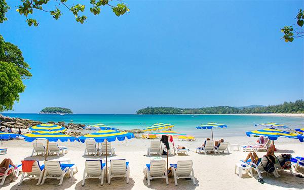 Bãi biển Karon