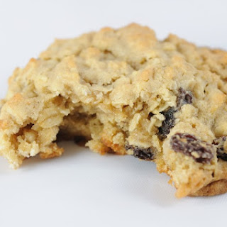 Healthy Oatmeal Raisin Cookies!
