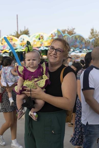 María del Mar y su hija Vera, de 5 meses, acudieron juntas al Recinto