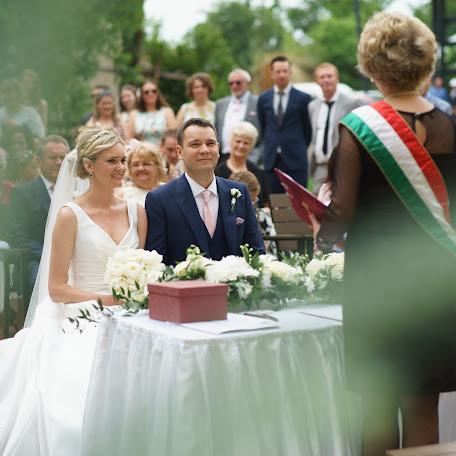 Wedding photographer Gergely Nyirö (rhapsodist). Photo of 14.11.2017