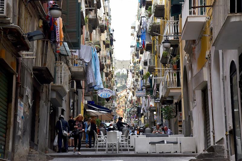 Alta densità. Quartieri spagnoli di Ilaria Bertini