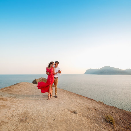 Wedding photographer Aleksandr Sergeevich (whiteRoom). Photo of 07.08.2016