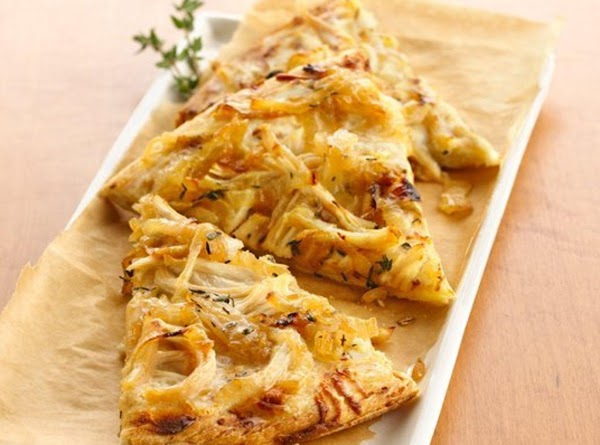Grilled White Chicken Pizza With Carmelized Onions Recipe
