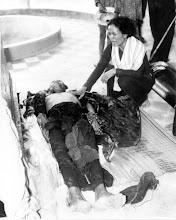 Photo: Một công nhân bị giết bởi VC trong khi làm việc trên một dự án đào kênh tại thôn Thuận Hòa, Thuận Hóa, tỉnh Ba Xuyên ngày 05 tháng 4 năm 1965. http://www.vietnam.ttu.edu/virtualarchive/items.php?item=VA004343  A worker killed by VC at Thuan Hoa village, Thuan Hoa District, Ba Xuyen Province on April 5, 1965 - while working on a canal digging project