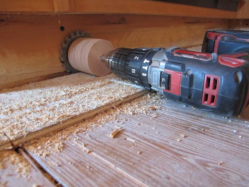 cutting flooring under toe kick