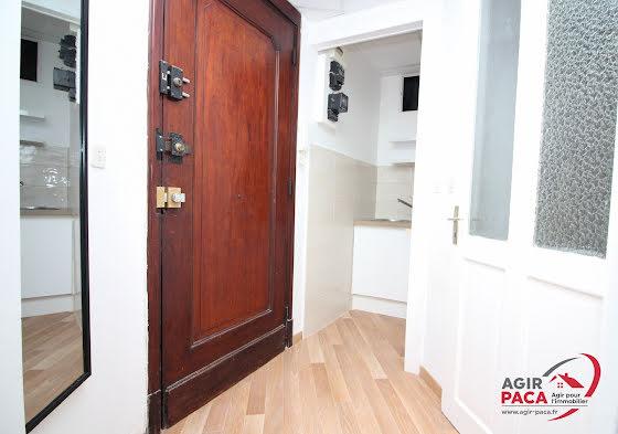 Location studio 27,7 m2