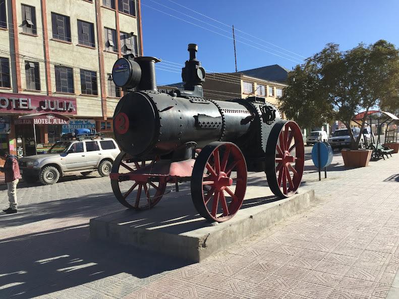 ウユニ 蒸気機関車