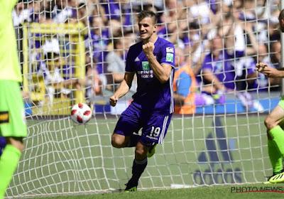 Santini et Dimata font le show, Anderlecht écrase Ostende