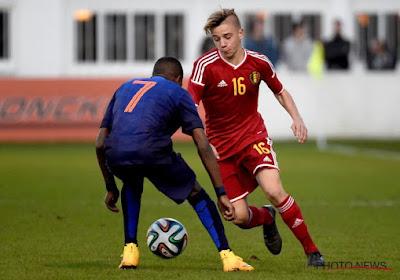 Absolute waanzin: jonge Belg twee jaar geleden nog talent bij RSC Anderlecht, nu op indrukwekkende wijze wereldkampioen ... wielrennen