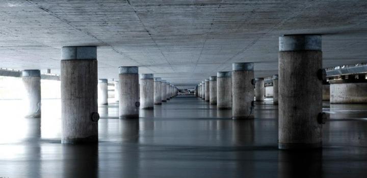 Under the bridge di Poldino