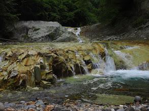 Photo: 源公ノ滝(5m)が見えてきた