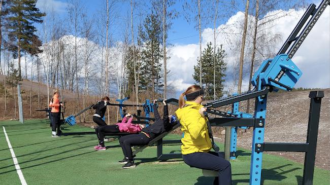 Pasi Koistinen, idrottschef i Villmanstrand, menar att ökad träning borde vara allas mål. Det är värt att investera i träningsställen som ligger inom rimligt avstånd. Detta ökar invånarnas välbefinnande och sparar dessutom pengar på hälsa och social omsorg.