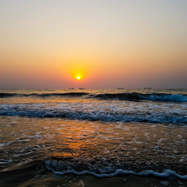 Maravante Beach by Diliban P - Instagram & Mobile Android ( s7edge, mangalore, ocean, maravante, kundapur, arabian sea )