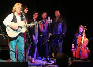 Photo: Reg Meuross, Beth Porter, and The Croutons
