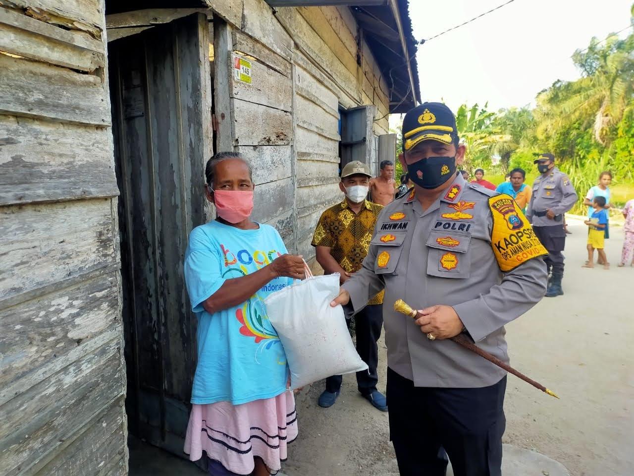 Penuhi Janji, Kapolres Batu Bara Akhirnya Kunjungi Ibu Riana Marpaung