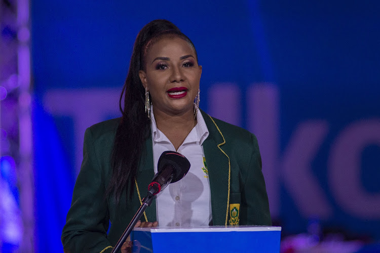 "President of the Netball South Africa Cecilia Molokwane has questioned the motives of the organisers of the ""rebel"" Netball Super League."