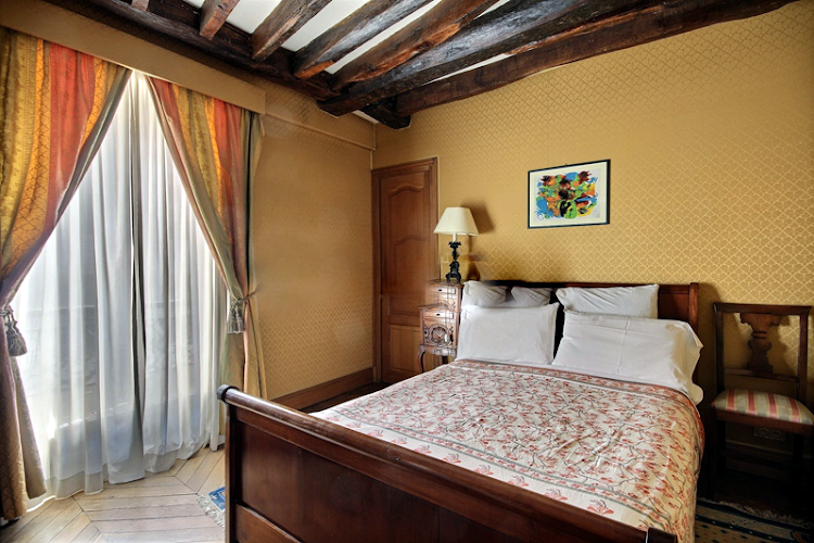 Bedroom at Rue Mazarine