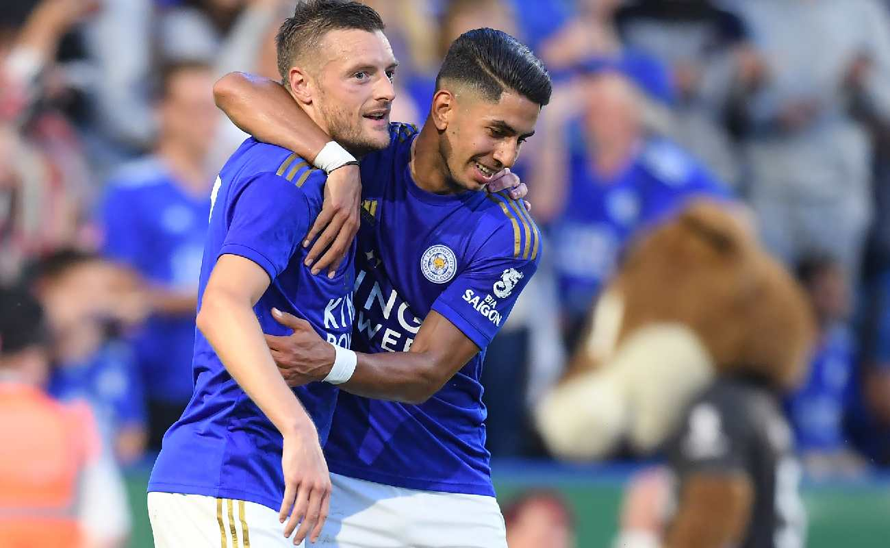 Alt: Jamie Vardy and Ayoza Perez of Leicester City celebrate after scoring a goal - Photo by Michael Regan/Getty Images