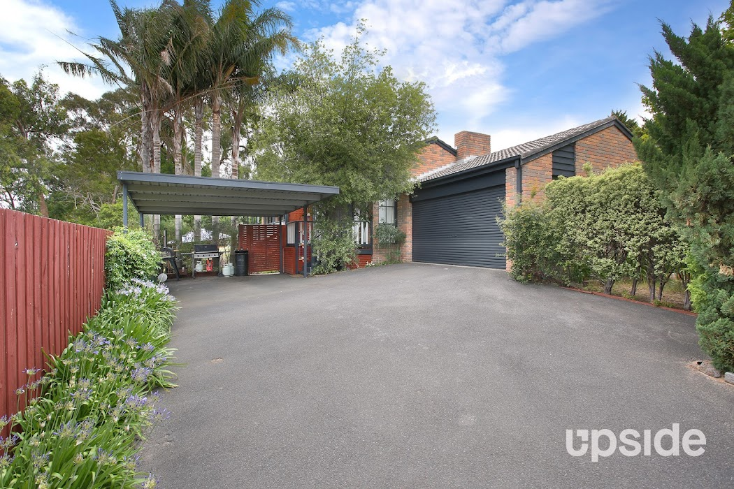 Main photo of property at 2 Kooluna Court, Frankston 3199