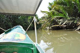 Photo: la barchetta sul fiume Kanan