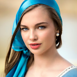 Lots of Blue by Sylvester Fourroux - People Portraits of Women