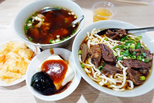 建宏牛肉麵|熱門西門町牛肉麵!24小時營業,台北宵夜首選!
