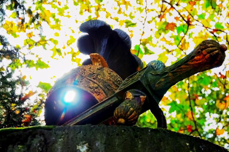 Photo: KPW - backlight helmet and sword