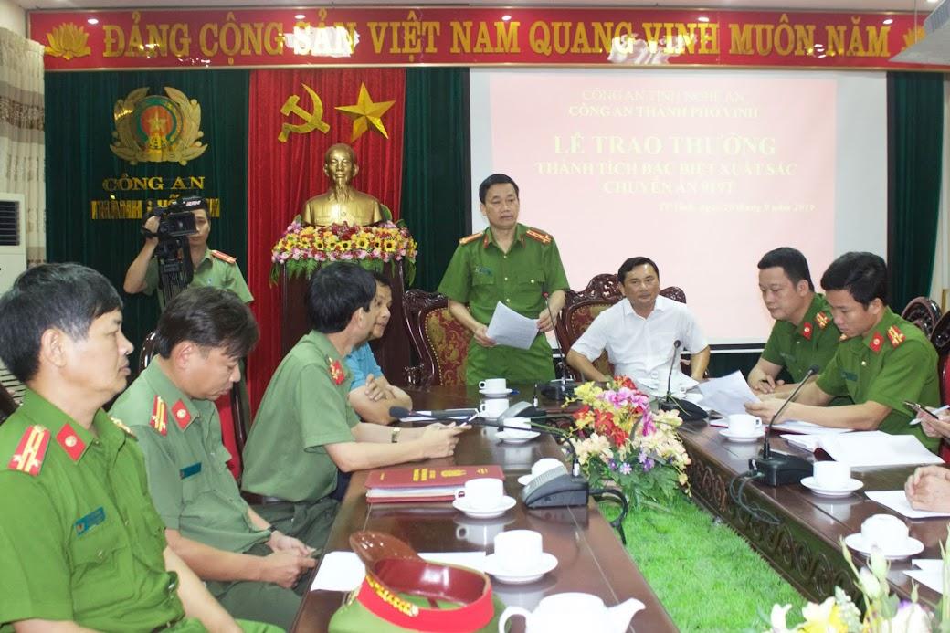 Đồng chí Đại tá Nguyễn Mạnh Hùng, Phó Giám đốc Công an tỉnh, Thủ trưởng Cơ quan CSĐT chỉ đạo Công an các đơn vị, địa phương tấn công trấn áp các loại tội phạm trong những tháng cuối năm