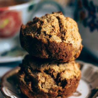 CARROT, APPLE AND GINGER PULP TEA CAKES.