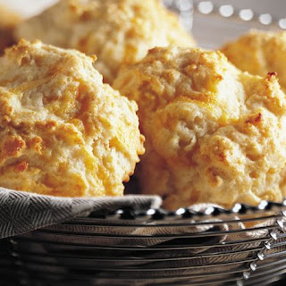 Bisquick Heart Smart™ Cheese-Garlic Biscuits.