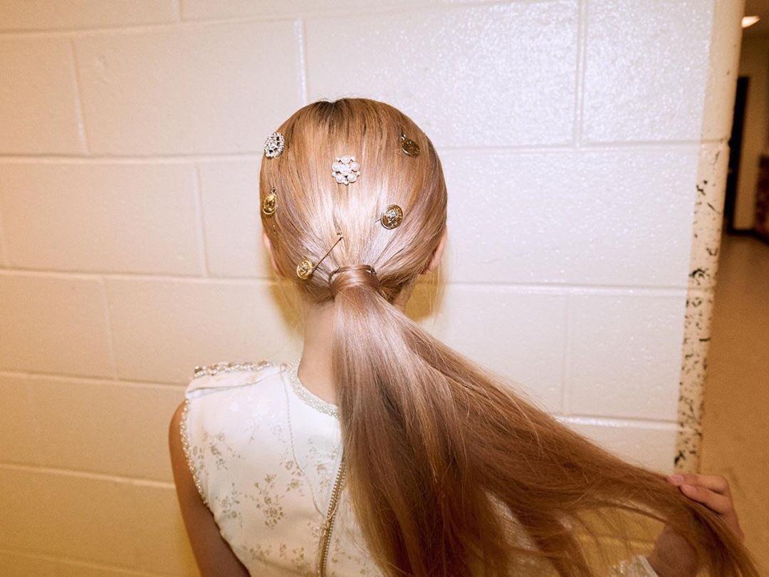 BLACKPINK-Rose-Hair-accessories